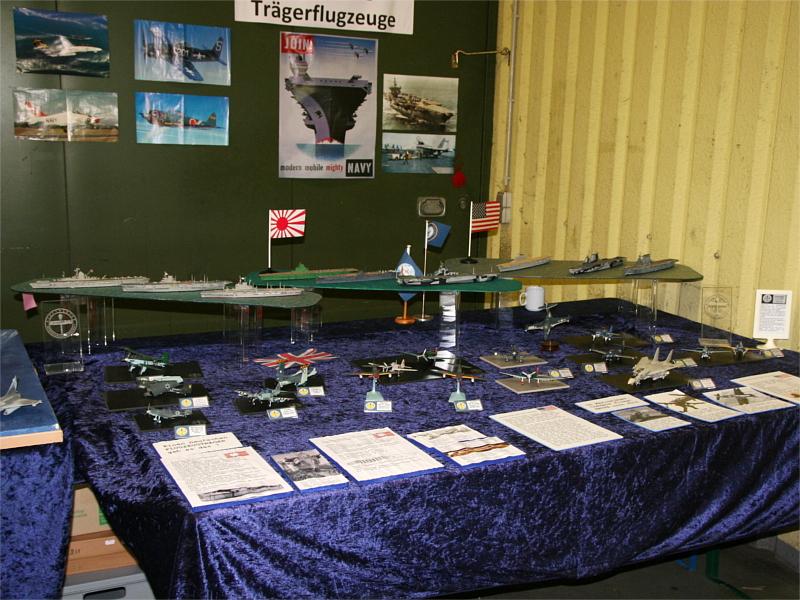 """Ein Teil des SIM-Standes stand unter dem Motto """"Flugzeugträger und Trägerflugzeuge"""". Danke an Alfred und Wolfgang fürs Zusammenstellen!"""