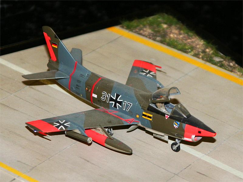"""Die Fiat G. 91-R3 """"Gina"""", die auch im Museum steht, gab's dieses Mal auch als Modell."""