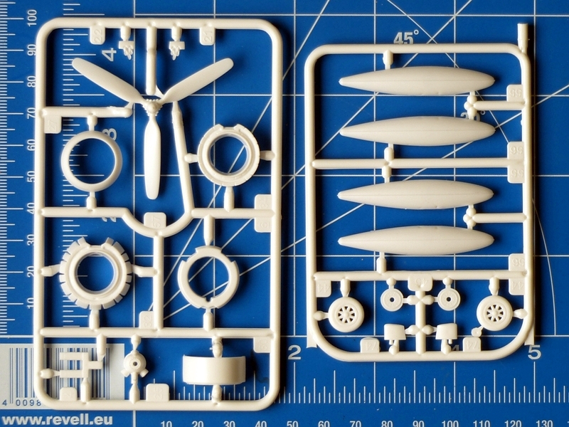 f4u-corsair-revell-parts-04